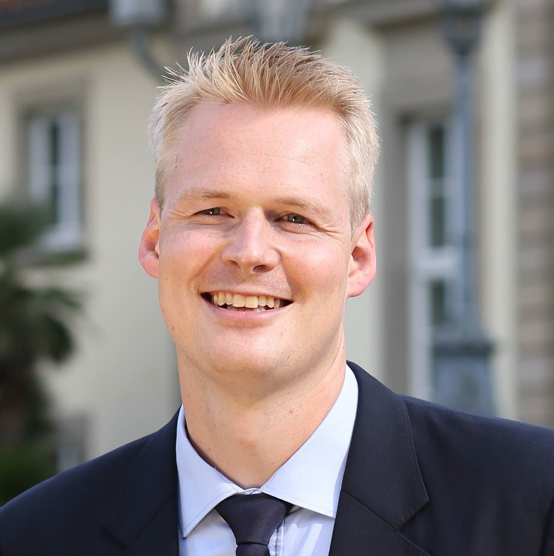 Dr. Sven Hasenstab